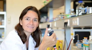 Barbara Gravendeel in het lab.